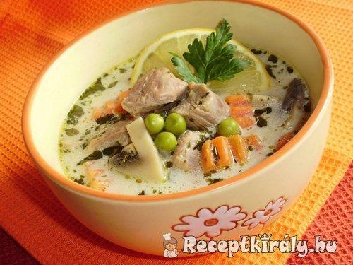Gombás sertés becsinált leves