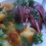 Sült pulykacomb petrezselymes sült krumplival