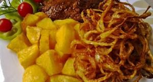Mustáros sertésszelet sült hagymával