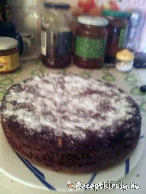 Egyszerű céklás csoki torta