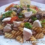 Fusili chiliszószós szardiniával mozzarellával 2