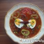 Chilis sólet parasztkolbásszal