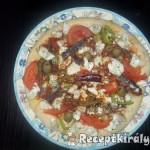 Pizza paradicsomos szardíniával és gomolyával 2