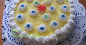 Tejszínhabos vaníliakrémes torta