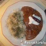 Vörösboros tejfölös zúzapörkölt petrezselymes rizzsel 1