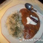 Vörösboros tejfölös zúzapörkölt petrezselymes rizzsel 2