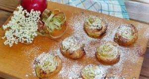 Rebarbarás-almás csiga bodzával