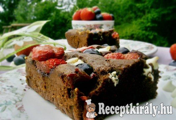 Áfonyás-epres fehércsokis brownie