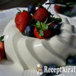 Joghurtos vaníliás-rózsavizes panna cotta 3