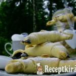 Mákos marcipános porhanyós kifli 2