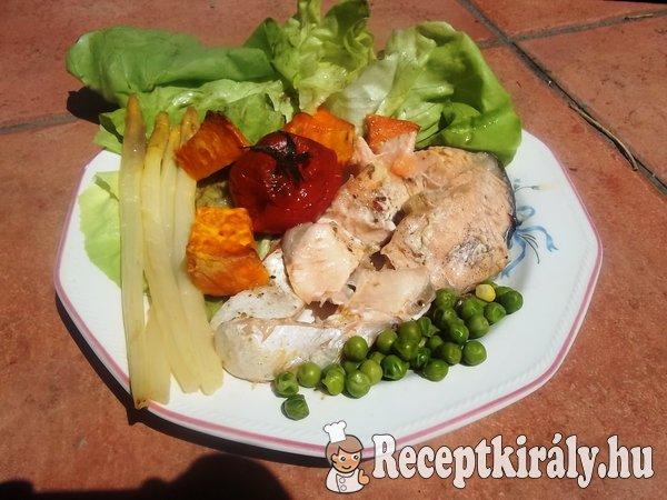 Sült lazac zöldségekkel