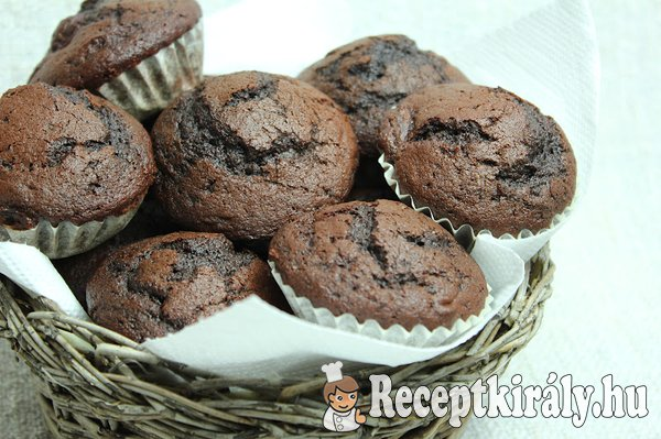 Kakaós-meggyes muffin