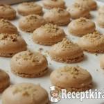 Mogyorókrémes macaron-1