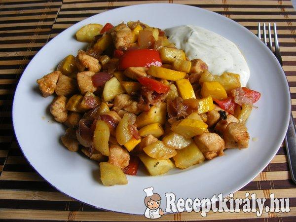 Serpenyős zöldséges csirke