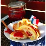 Croissant lekvárral töltve