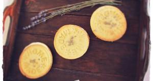 Levendulás vajas keksz citromos fehércsoki krémmel