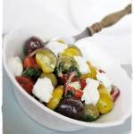 Olívabogyós-paradicsomos saláta