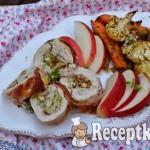Göngyölt csirkemell zsályás alma-bacon töltelékkel - paleo 1