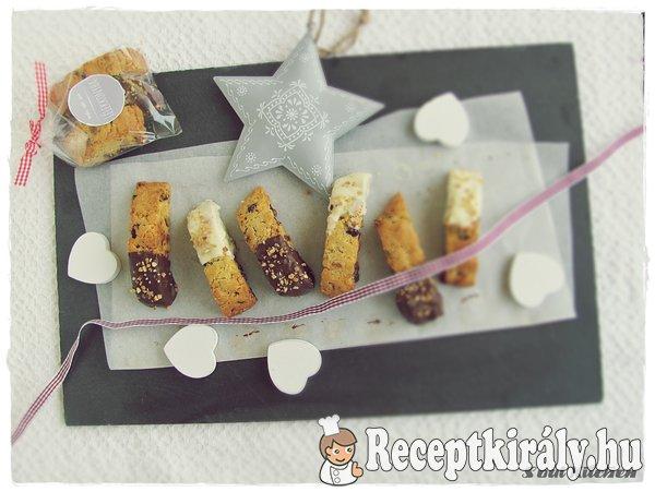 Áfonyás-pisztáciás keksz