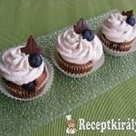 Áfonyás-csokis cupcake 1