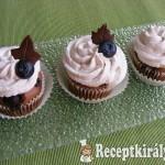 Áfonyás-csokis cupcake 2