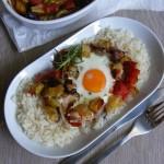 Csirkemellen sült zöldségek tojással 1