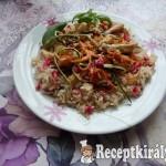 Bana rizses zöldséges gránátalmás, csirke csíkok 1