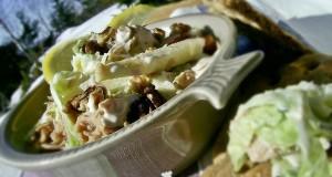 Joghurtos almás tonhalas saláta