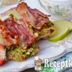 Csirkemell spenótos tojáskrémmel és szalonnával sütve - paleo 1