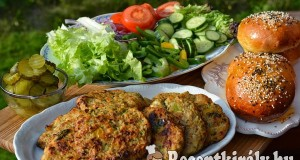 Fűszeres cukkinis pulykaburger – paleo