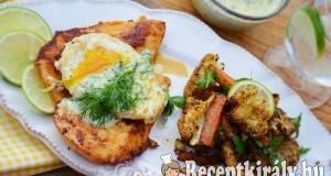 Omlós csirkemell szelet tükörtojással és kaporszósszal – paleo