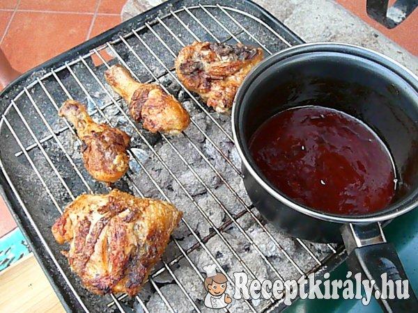 Grillezett csirkecomb vörösboros mártásban