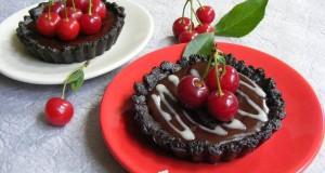 Meggyes-csokoládés mini pite, sütés nélkül