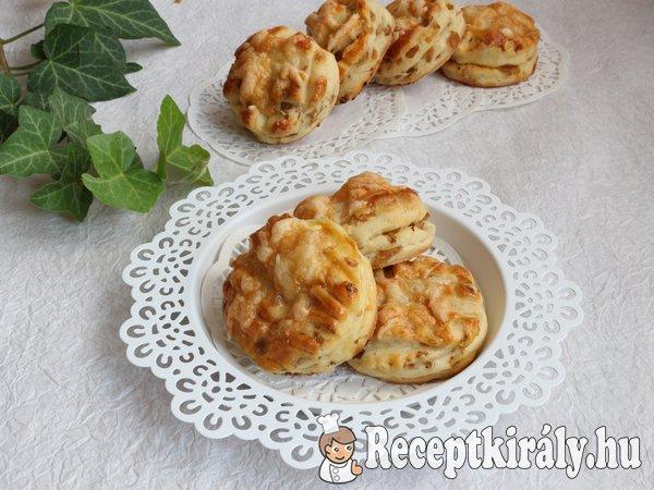 Káposztás-sajtos pogácsa