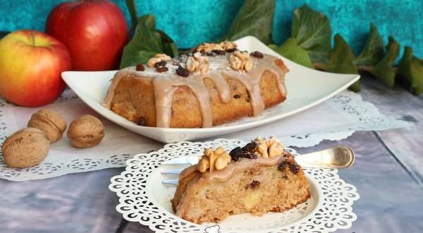 Őszi almás-diós sütemény
