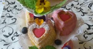 Pudinggal és gyümölccsel töltött Muffin
