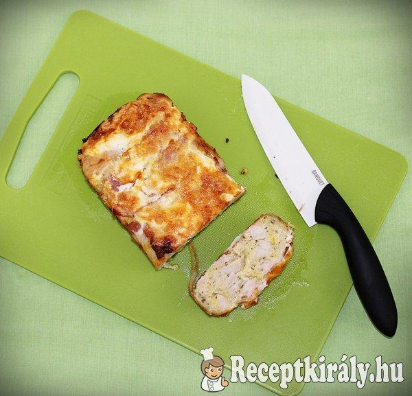 Baconbe göngyölt sajtos pulykamell