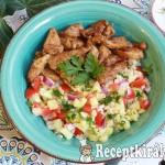 Bulgur saláta roston csirkecsíkokkal