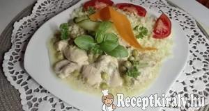 Mustáros csirkefalatkák zöldborsóval