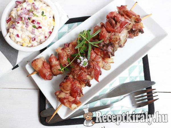 Baconbe tekert zöldfűszeres csirkemáj