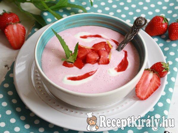 Joghurtos eperkrémleves