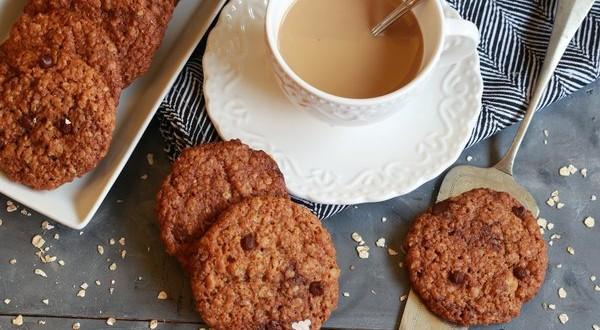 Csokoládés-zabpelyhes keksz
