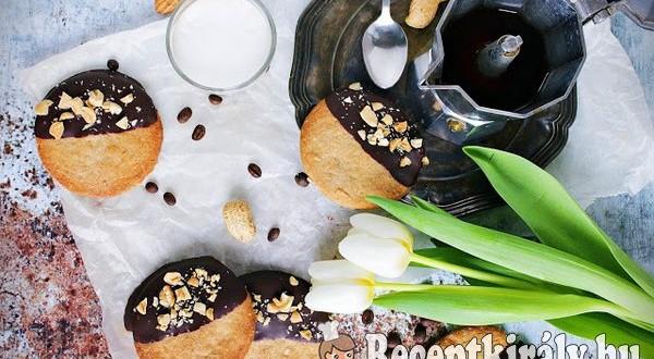 Csokis sós-mogyorós keksz