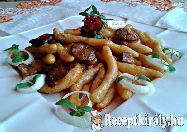 Krumplis nudli füstölt házi kolbásszal